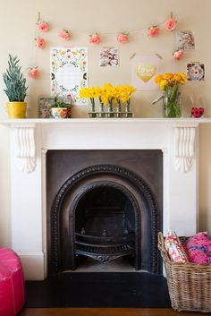 love the fireplace and the roses Emily & Stef's Creative, Colorful London Home' spring mantle Home Living Room, Living Spaces, Apartment Therapy, Studio Apartment, Apartment Living, Decoration, My Dream Home, Dream Homes, House Tours