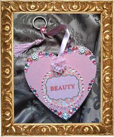 Ein weiteres UniSign Herz für eine liebe Freundin, die ein Kosmetikinstitut besitzt, deshalb wollte sie ein Beauty-Herz.