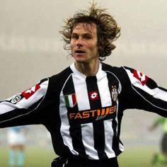 L'ex #Lazio ritorna sui campi, c'è l'accordo con lo Skelná: http://bit.ly/2xzFYEH