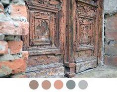 OUDE DEUR ~ Verweerde deur - brocante - vintage - verf - grijs - zalm roze…