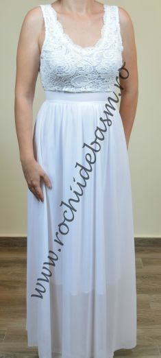 Rochie de seara alba cu dantela #rochiidesearaalbe #rochiidesearafaraaplicatii #whiteeveningdresses