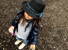 Look kids girl with hat! - Come cappuccino rosso...in have moderna... - www.momeme.it