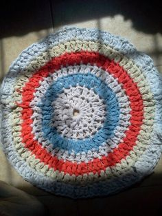 Alfombra crochet totora con remeras recicladas