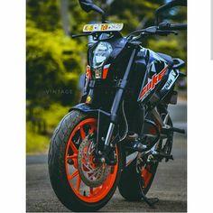 Image may contain: one or more people, motorcycle and outdoor Duke Motorcycle, Duke Bike, Ktm 125 Duke, Ktm Supermoto, Bike Humor, Bike Pic, Bike Photo, Ktm Motorcycles, Custom Sport Bikes