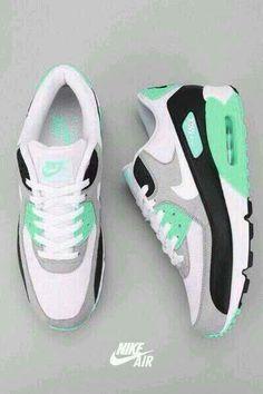 AirMax 90 #Nike. I totally want a pair!