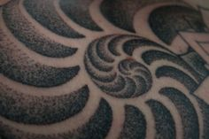 Stipple Shading Tattooing by Thomas Hooper
