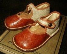 So Vintage 1930 Toddler Children Ankle Button Shoes - The Gatherings Antique Vintage