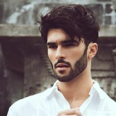 Beard and Company's beard growth products are in growing beards thicker, fuller, and faster naturally without using minoxidil. Pro beard growth tips and more. Mens Hairstyles With Beard, Cool Hairstyles For Men, Haircuts For Men, Beard Styles For Men, Hair And Beard Styles, Curly Hair Styles, Beard Growth Oil, Beard Tips, Beautiful Men Faces