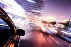 Auto fahren auf der Straße bei hoher Geschwindigkeit – lizenzfreie Stock-Fotografie
