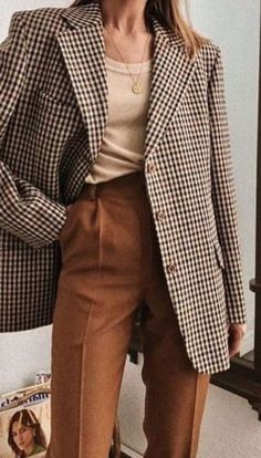 Stylish Ways to Wear Oversized Blazer This Fall - Fashion and Style Fall Fashion Trends, Holiday Fashion, Fall Trends, Looks Cool, Fall Looks, Autumn Look, Look Fashion, Fashion Outfits, Womens Fashion