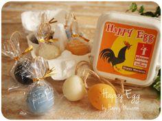 ★こちらはチャリティ商品です。売り上げは全額寄付します★天然素材の優しい手作り石けんを、手でくるくるっと丸めてひもをつけたら、卵のような可愛い石...|ハンドメイド、手作り、手仕事品の通販・販売・購入ならCreema。