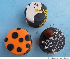 Special Halloween Cakes - love the ghost & Booooo