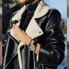 //10:29 pm// @jettelag Habit Vintage, Cool Winter, Winter Looks, Mode Outfits, Fashion Outfits, Street Chic, Street Style, Fashion Moda, Fashion Trends