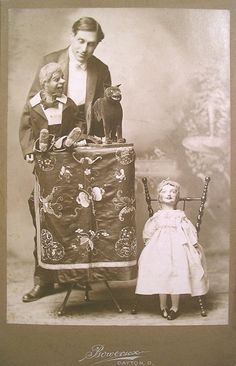 Ventriloquist | I have seen many a chilling stories about ventriloquists, and the old ones give me the shivers--like these two!