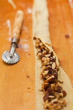 La pitta 'nchiusa (o pitta 'mpigliata), un dolce tipico calabrese