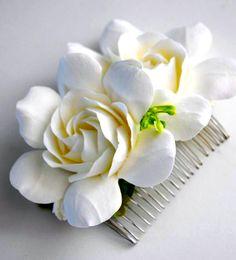 Gardenias, how pretty for your hair Wedding Veils, Our Wedding, Wedding Flowers, Dream Wedding, Ivory Wedding, Gardenias, Bridal Hair Accessories, Wedding Trends, Spring Wedding