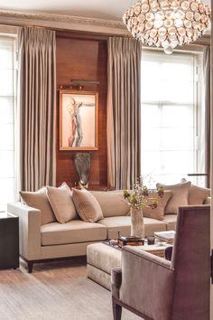 #interiors #interiordesign #JanineStone #london #art #drawingroom