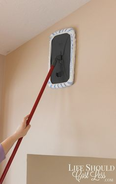 Cleaning walls was never so easy