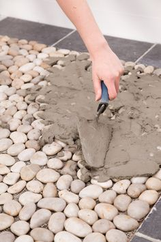Fall is my favorite time for outdoor DIY projects. It's not too hot and there. Small Space Interior Design, Bathroom Design Small, Pebble Shower Floor, Stone Shower, Space Interiors, Big Garden, Garden Projects, Diy Projects, Diy Garden Decor