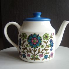 Vintage 60s Jessie Tait Midwinter Tea Pot