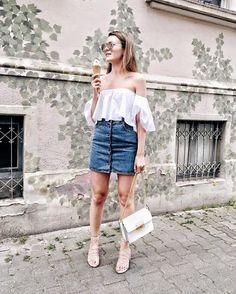Das absolut beste Eis bekommt ihr bei Eis Christina in Frankfurt! Heute habe ich das Wetter aber nicht nur zum Einholen genutzt, sondern auch um meine Lace-Up Sandalen von Mango, meinen Jeansrock von Asos, meine Off-Shoulder Bluse und Lanvin Jiji Bag auszuführen. Und ja, ich habe wieder einmal eine hübsche Wand gefunden! <3 @livia_auer