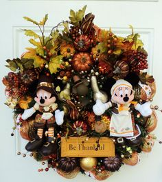 104 herbst autumn herfst Thanksgiving Disney Wreath Mickey and by SparkleForYourCastle, Toile Beddin Disney Thanksgiving, Thanksgiving Wreaths, Disney Christmas, Thanksgiving Decorations, Disney Holidays, Fall Decorations, Disney Diy, Disney Crafts, Disney Ideas