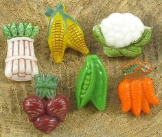 Set of 6 Vintage Realistic Glass Vegetable Buttons - Corn, Beets, Peas, etc