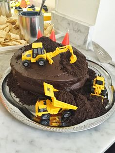 Construction vehicle cake for a construction-themed birthday party. Construction vehicle cake for a construction-themed birthday party. See more photos, décor and DIY Construction Birthday Parties, 3rd Birthday Parties, Diy Birthday, Construction Theme Cake, Birthday Banners, Farm Birthday, 1st Birthdays, Birthday Invitations, 3 Year Old Birthday Party Boy