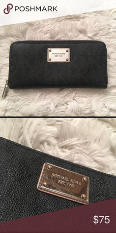 Michael kors Slight scratches on hardware overall in great condition Bags Wallets
