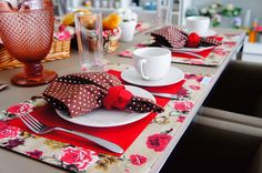 Jogo americano café da manhã Dining Decor, Dining Room Table, Come Dine With Me, Dinner Sets, Tablescapes, Party Time, Panna Cotta, Buffet, Brunch