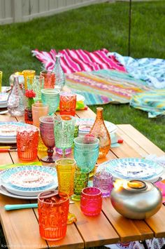 Backyard Boho Party with TIKI Brand Backyard Boho Tiki Party by Kara's Party Ideas Tiki Party, Bbq Party, Luau Party, Party Summer, Hippie Party, Bohemian Birthday Party, Girls Party, Party Fiesta, Tropical Party