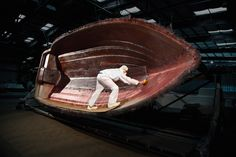 How do they build the most popular stern drive boat in the world?