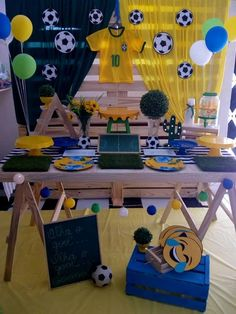 Copa 2018 #EvaLúcriações Soccer Theme Parties, Soccer Party, Sports Party, Party Themes, Brazil Party, Tiger Cake, Tent Decorations, Ideas Para Fiestas, Baby Party