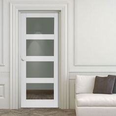 JB Kind Cayman White Primed Door with Clear Safety Glass. #internalcontemporarydoors #whiteinternalcontemporarydoors #whiteinternalglazeddoor