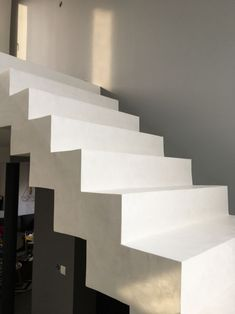 Waxed concrete staircase – need advice – 12 messages Source by Concrete Staircase, Escalier Design, Pretty Room, Wax, Stairs, Architecture, Staircase Ideas, Messages, Advice
