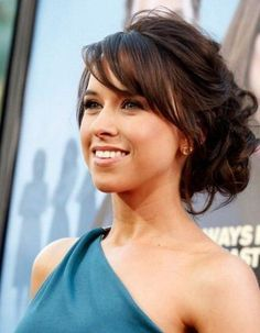 wedding hairstyles with bangs best photos - wedding hairstyles - cuteweddingideas.com #weddinghairstyles
