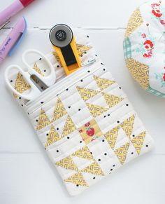 MessyJesse: Patchwork Zipped Sewing Pouch - Sizzix Tutorial!