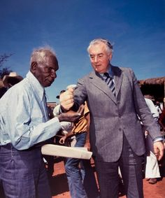 "Prime Minister Gough Whitlam pours soil into the hands of traditional land owner Vincent Lingiari, Wave Hill Station, Northern Territory, ""From Little Things Big Things Grow"". Aboriginal History, Aboriginal Culture, Aboriginal People, Aboriginal Art, Outback Australia, South Australia, Wave Hill, Indigenous Art, Indigenous Education"