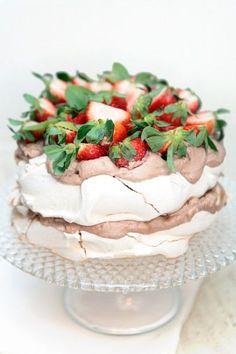 intensefoodcravings:   Strawberry Nutella Meringue... - INTENSE FOOD CRAVINGS