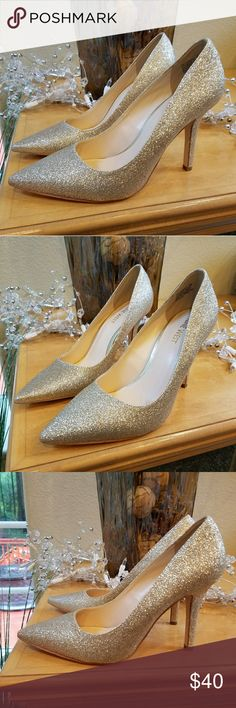 New! Nine West Jackpot Gold Sparkle Heels Size 7 Just in time for the Holidays!  New never worn! Nine West Jackpot Gold Sparkle Heels. Heel is 3.5 inches. No box. Nine West Shoes Heels
