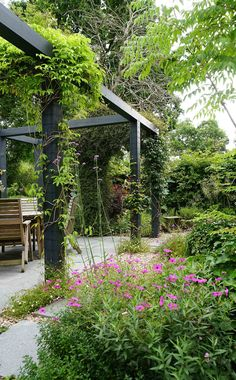 The pergola kits are the easiest and quickest way to build a garden pergola. There are lots of do it yourself pergola kits available to you so that anyone could easily put them together to construct a new structure at their backyard. Small Cottage Garden Ideas, Cottage Garden Design, Flower Garden Design, Modern Garden Design, Flowers Garden, Very Small Garden Ideas, Modern Pergola Designs, Cottage Patio, Modern Patio