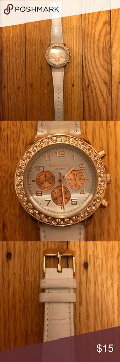 Aéropostale Women's Watch Aéropostale Women's Watch with rose gold detail and silver rhinestones around clock. Wristband is faux alligator skin. Mildly worn but in good condition! Aeropostale Accessories Watches