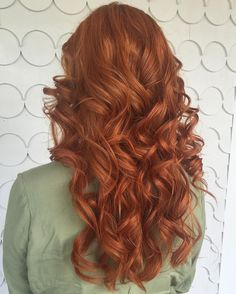 Laurie brightened up Victoria's fiery man- SO HOT!  The vibrancy and shine are on point! #redhair #curls #girlswithcurls #vibrant #haircolor