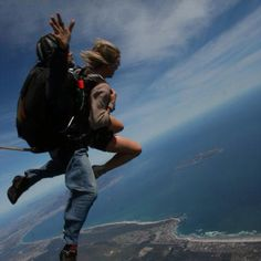 Skydiving over Cape Town, South Africa! Skydiving, Study Abroad, Cape Town, South Africa, Mountains, Nature, Travel, Tandem Jump, Viajes