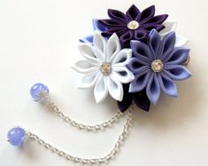 Purple Kanzashi Fabric Flower hair clip with falls. por JuLVa