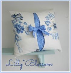 Bow Cushion Cover Sewing Guide by LillyBlossom on Etsy