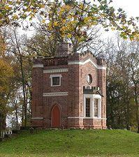 neugotischer Pavillon (Schlangenhaus) im Luisium bei Dessau