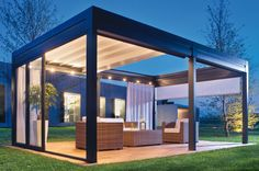 Ted's Woodworking Plans - Pergola ouverte toit store tendu Get A Lifetime Of Project Ideas & Inspiration! Step By Step Woodworking Plans Diy Pergola, Retractable Pergola, Building A Pergola, Pergola Canopy, Pergola With Roof, Wooden Pergola, Outdoor Pergola, Outdoor Decor, Pergola Lighting