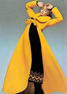 toonarmyist:  Vogue 1970