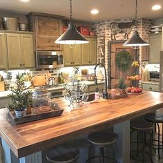 European kitchen design can range from modern to a more traditional kitchen design style. But a consistent theme in European design tends more toward styles inspired by the midcentury modern design…MoreMore  #KitchenRemodeling